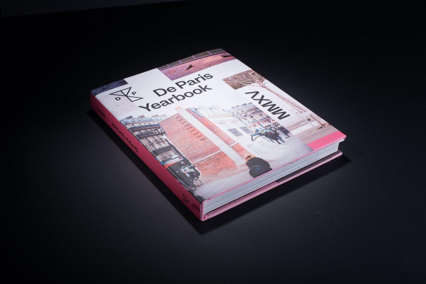Livre De Paris Yearbook cover 1
