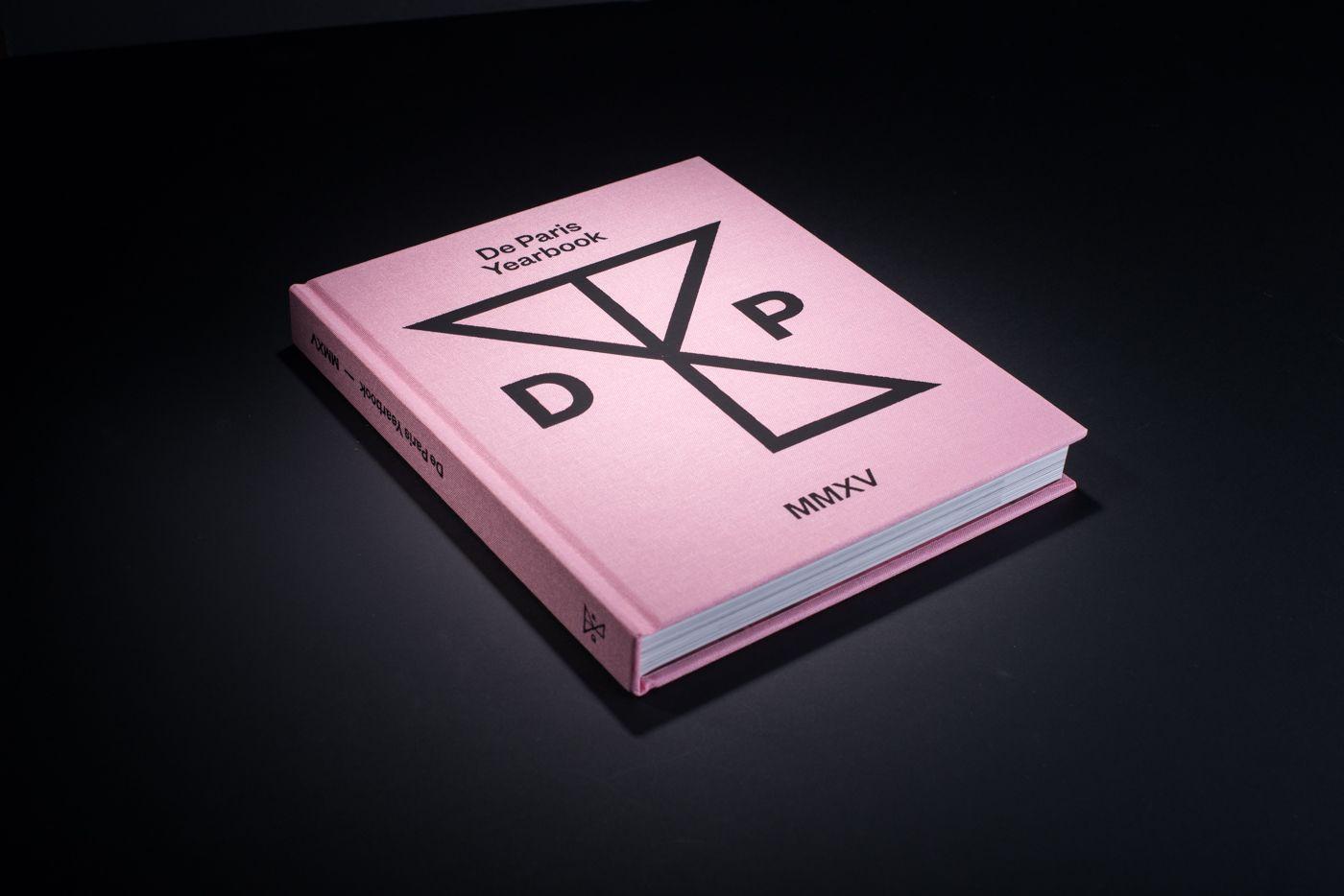 Livre De Paris Yearbook cover 2